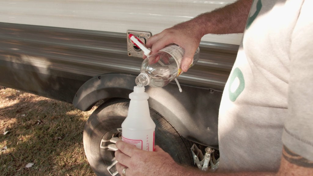 Using vinegar for RV cleaning