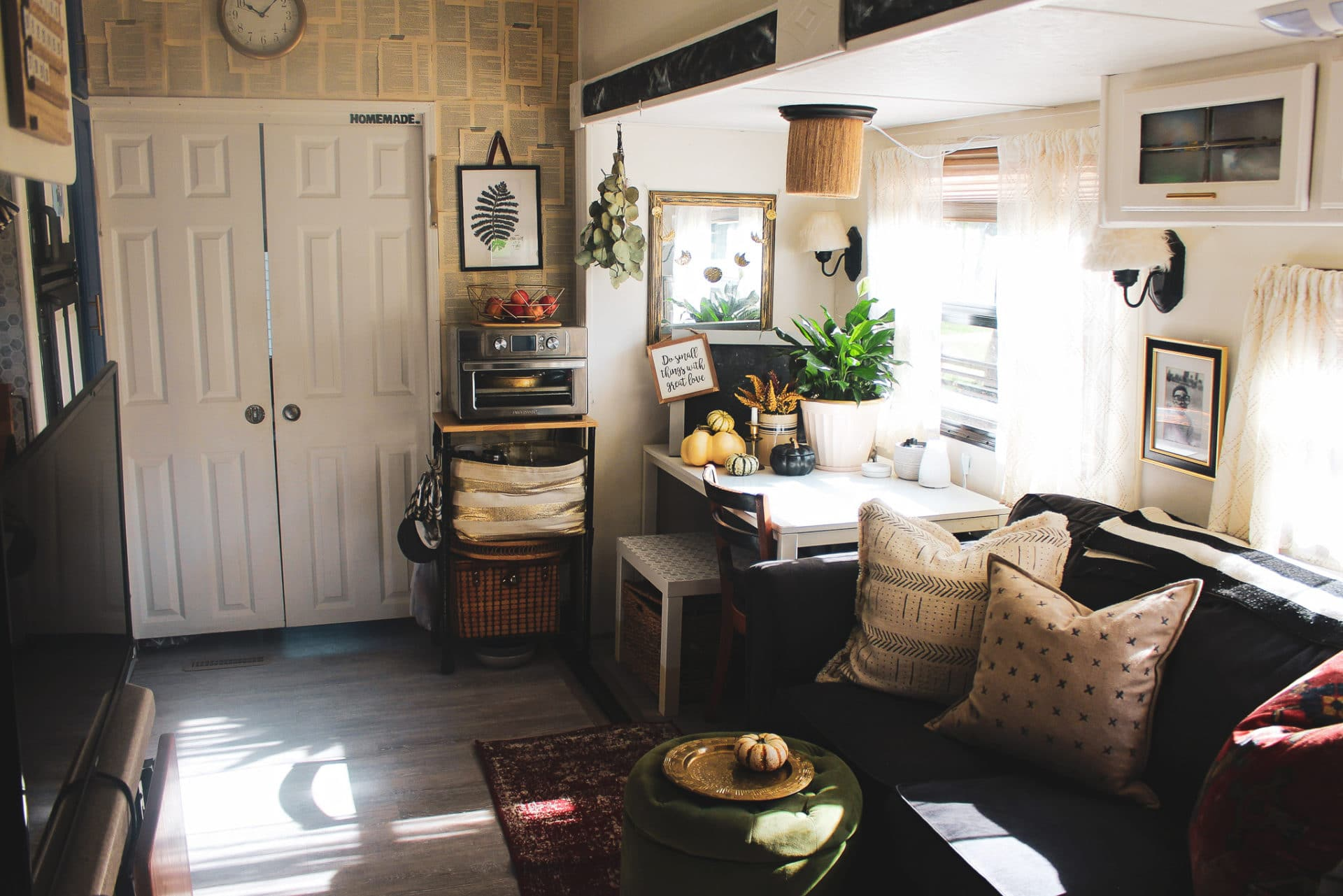 'Tis the Season: How to Decorate Your RV for the Holidays